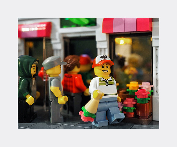 lego-valentines-day-florist-thumb